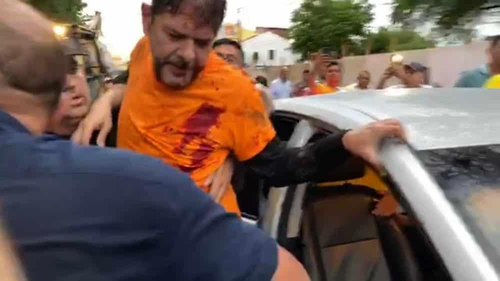 Senador Cid Gomes leva tiros, ao tentar furar motim de PMs com escavadeira